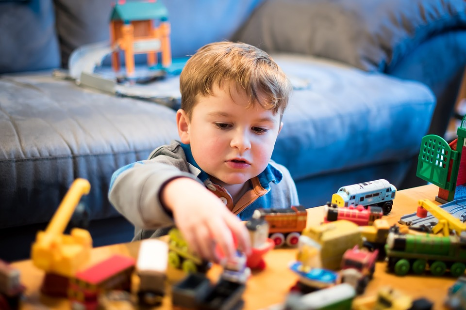 Introduce A Child To Model Trains